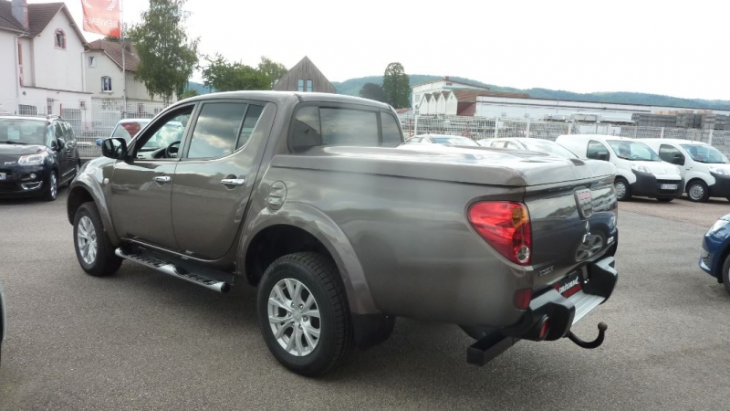 Photo 2 de l'offre de MITSUBISHI L200 2.5 TD 178 DOUBLE CAB INTENSE à 23995€ chez Remiremont automobiles