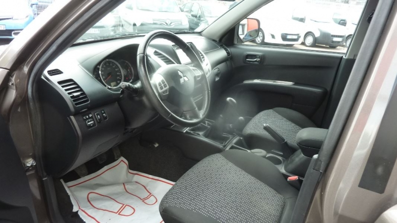 Photo 3 de l'offre de MITSUBISHI L200 2.5 TD 178 DOUBLE CAB INTENSE à 23995€ chez Remiremont automobiles