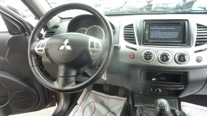 Photo 9 de l'offre de MITSUBISHI L200 2.5 TD 178 DOUBLE CAB INTENSE à 23995€ chez Remiremont automobiles