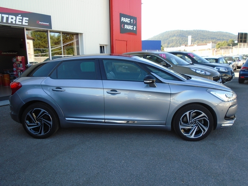 Photo 3 de l'offre de DS DS 5 BLUEHDI 180CH SPORT CHIC S&S EAT6 à 18995€ chez Remiremont automobiles